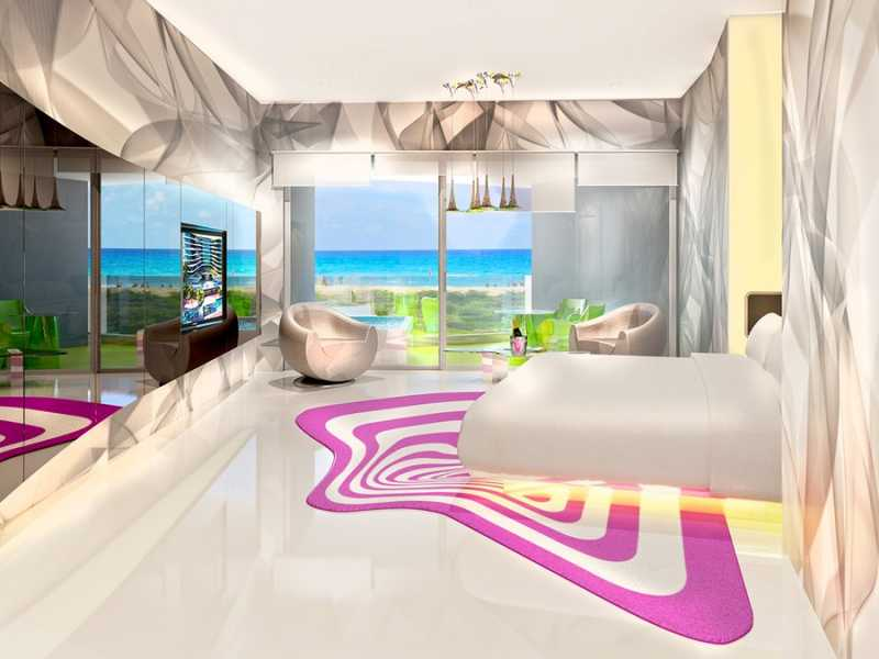 Lush Tower Ocean Front Suite